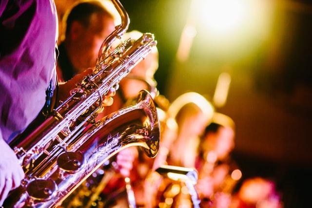 Band oder DJ? Die wichtigsten Fragen & Tipps zur Hochzeitsmusik