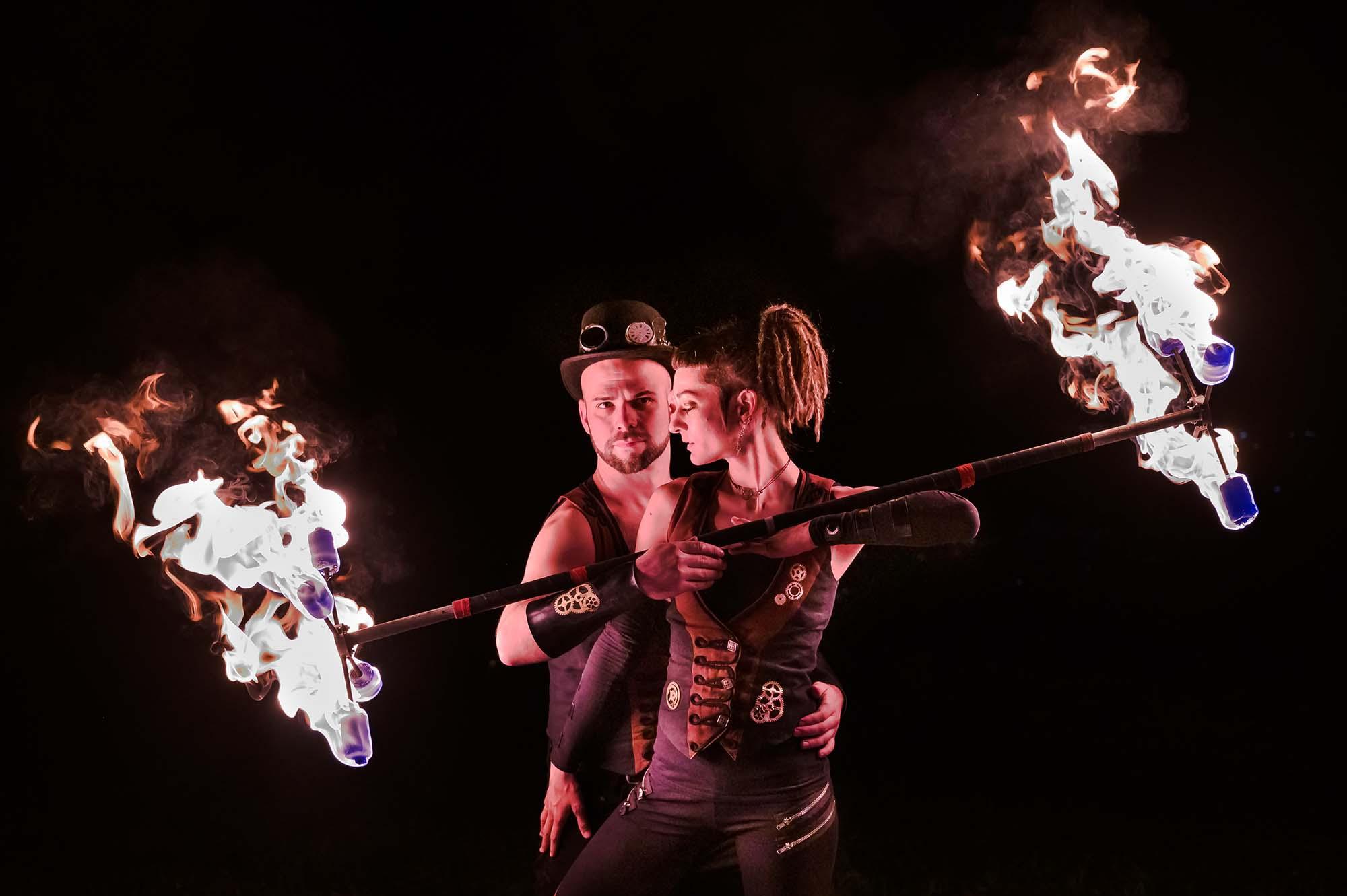 Flame Rain Theatre | Feuershow für eure Hochzeit