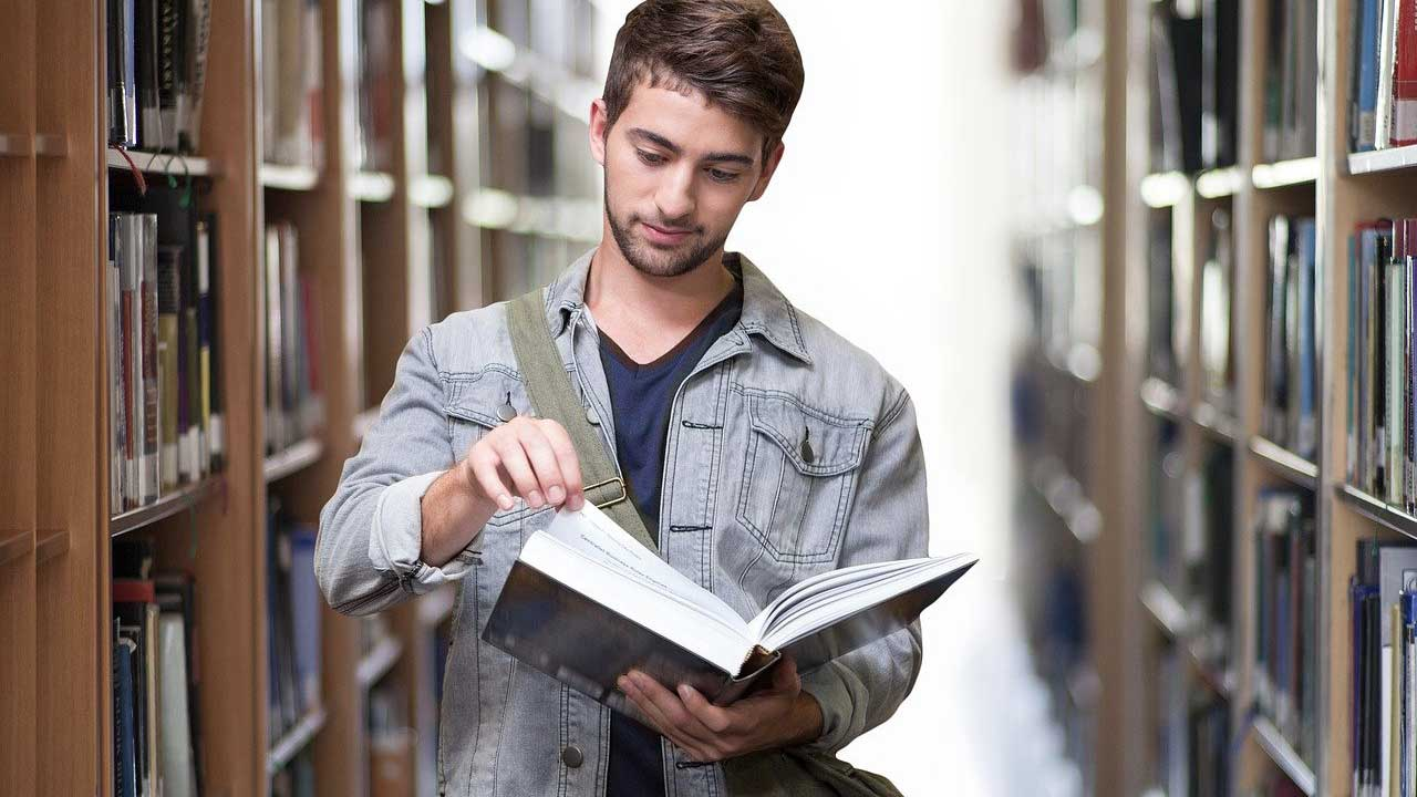 Top 5 Most Popular College Majors in The United States