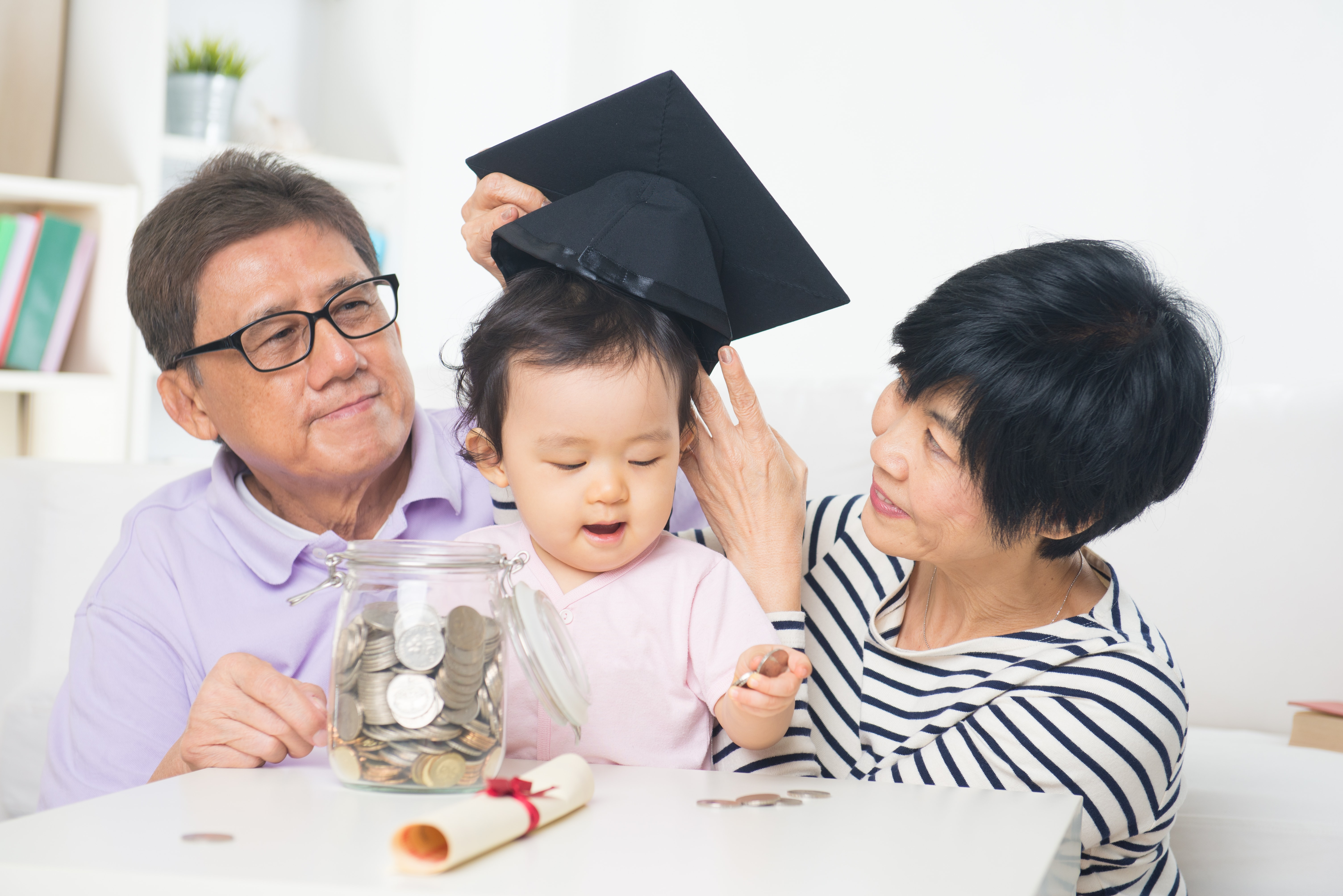 Can a Grandparent Open a Savings Account for a Child?
