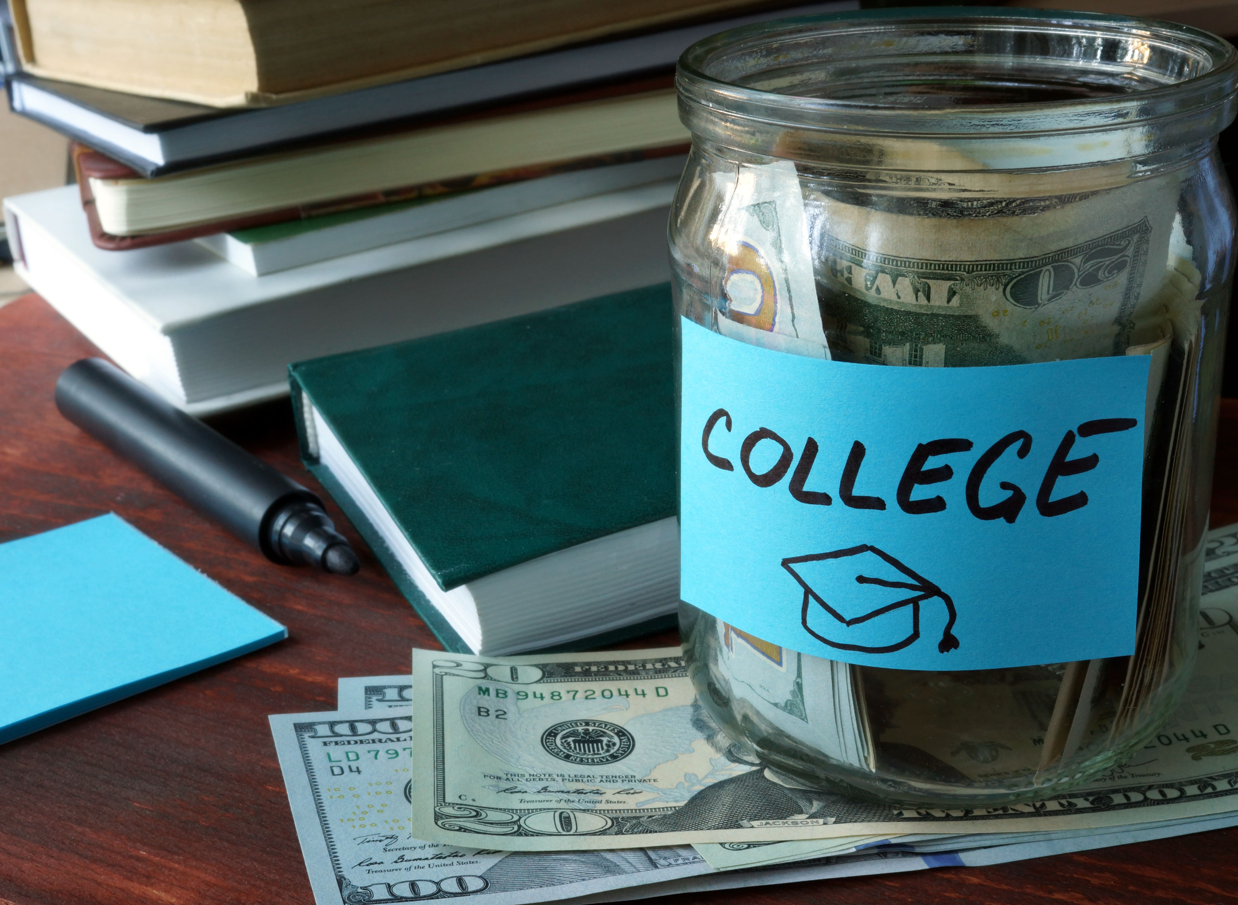 What To Look For In a College Savings Account