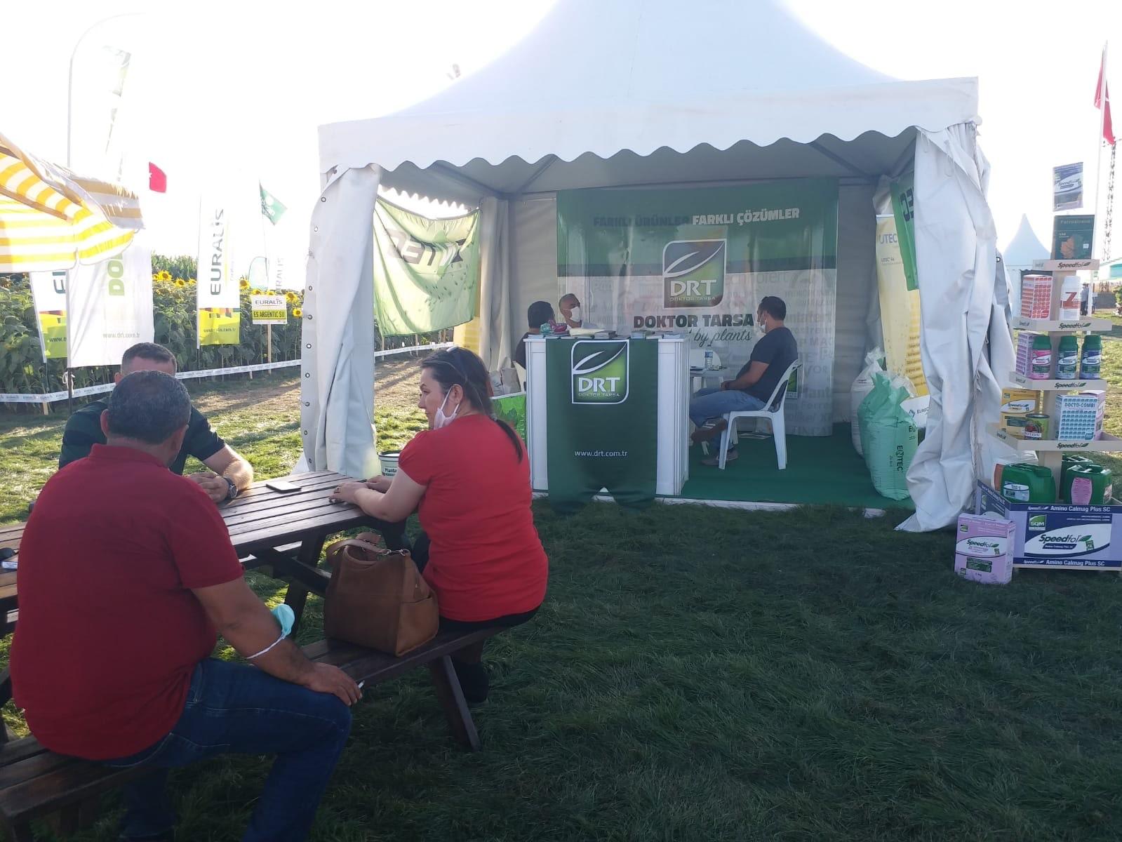Doktor Tarsa, açık tarla bitki besleme ürünleri ile Tarım ve Teknoloji Günleri Fuarında.