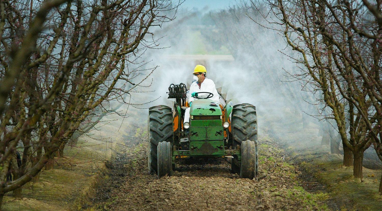 Pestisit uygulaması