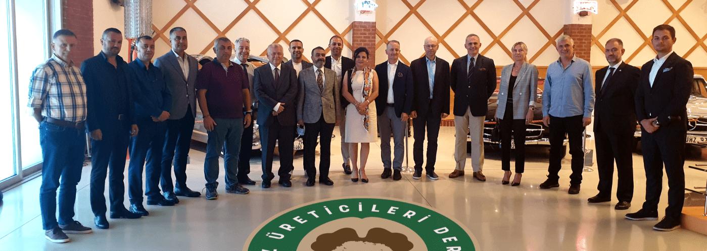Türkiye'de dünya standartlarında üretilen ceviz miktarını arttırmayı hedefleyen Ceviz Üreticileri Derneği, ilk genel kurulunu Ural Ataman Klasik Araba Müzesi'nde 22.Haziran.2021 tarihinde gerçekleşti.