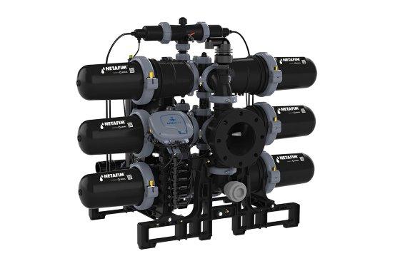 AlphaDisc, hassas derinlik filtrasyonu, önemli miktarda kiri tutma kapasitesi ve ölçeklenmesi kolay modüler tasarımın kombinasyonu ile sulama sistemi korumasında en üst düzeydedir (resimde bir 'Üçlü' sistem gösterilmektedir). - Fotoğraf: Netafim