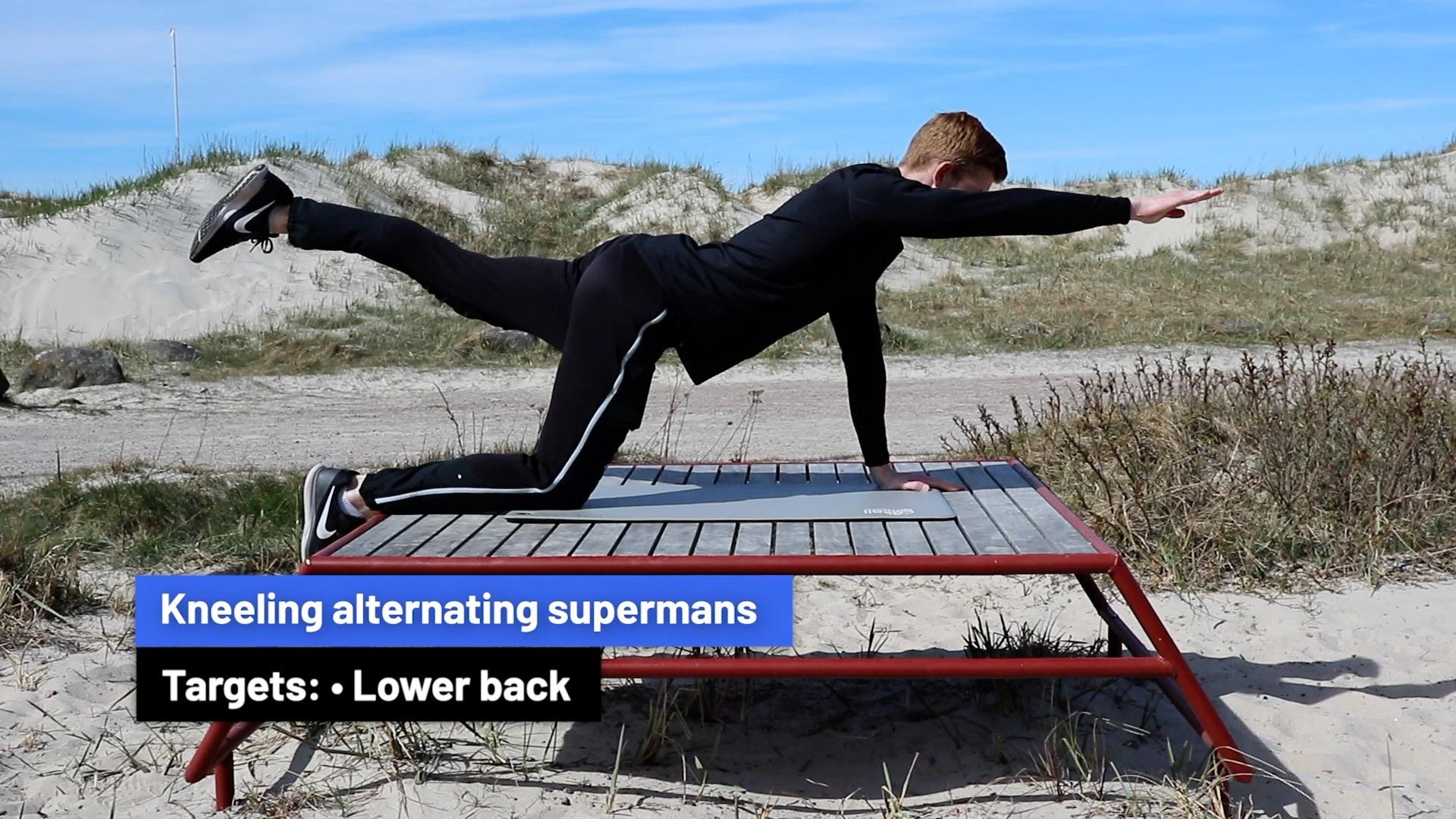 Kneeling alternating supermans