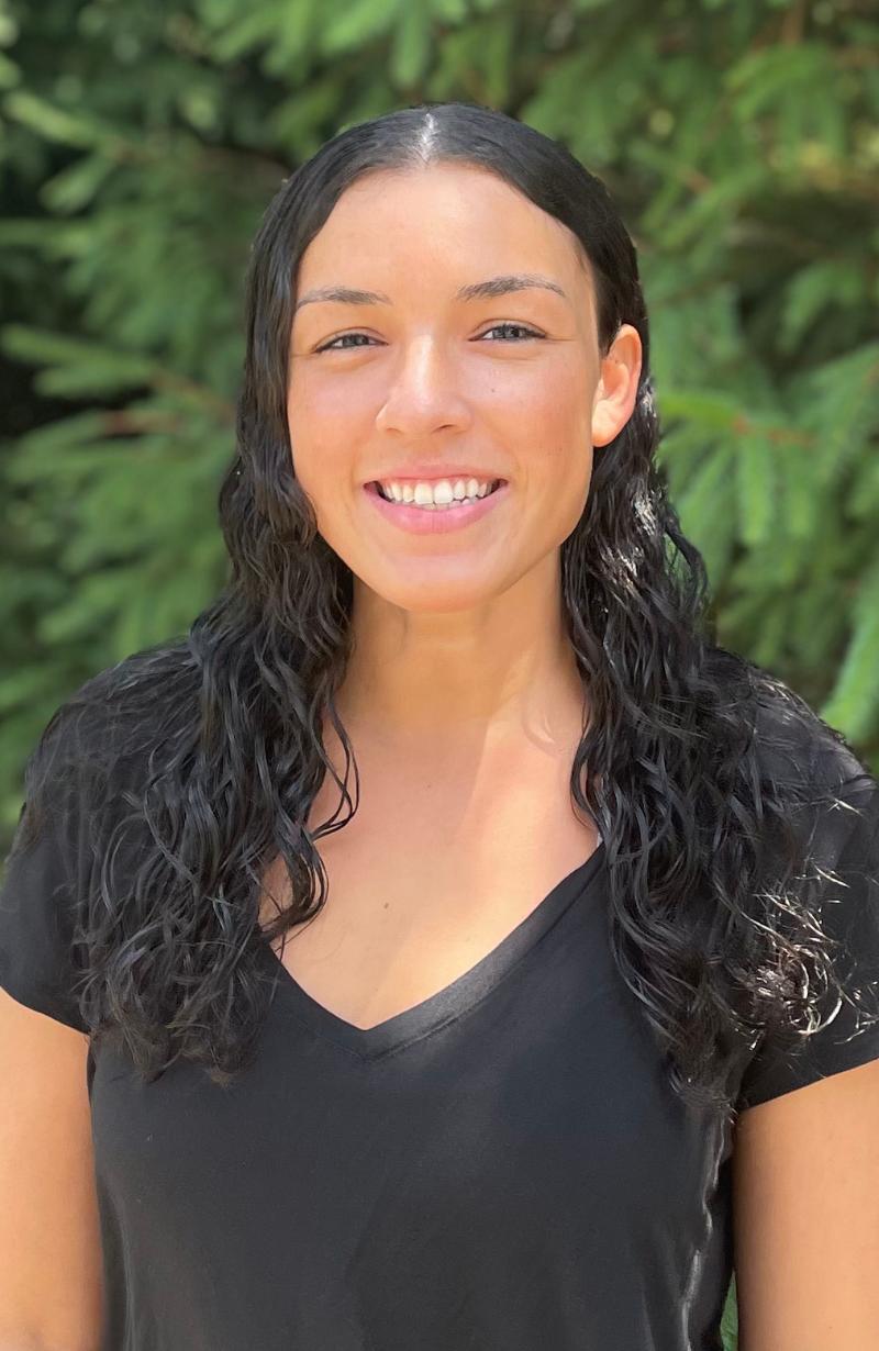 Dr. Daria Tavana headshot
