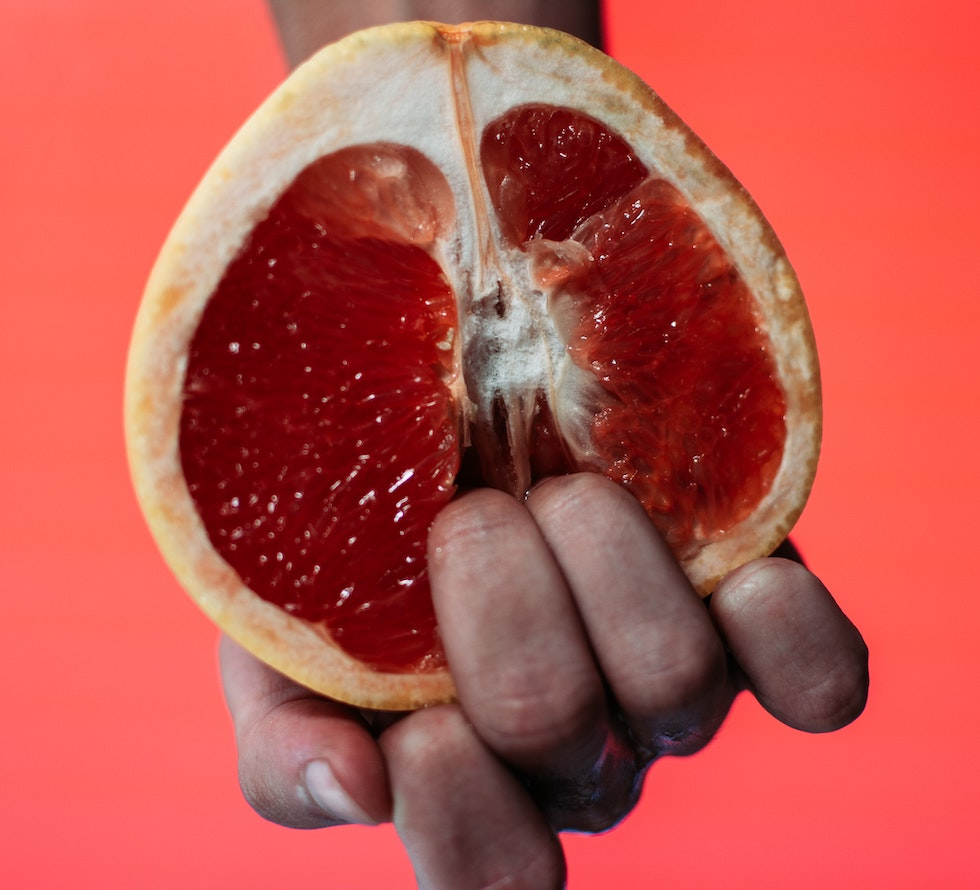 Women with a grapefruit