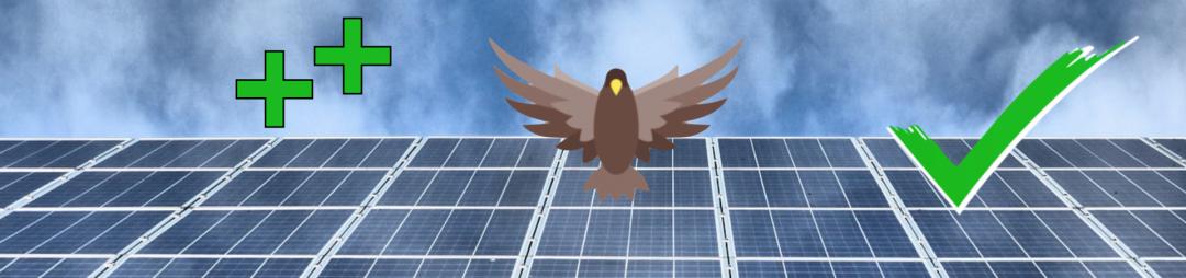 Eine Solar-Inselanlage mit Haken und zwei Plus Symbolen, die Vorteile und den Sinn der PV-Anlage symbolisieren