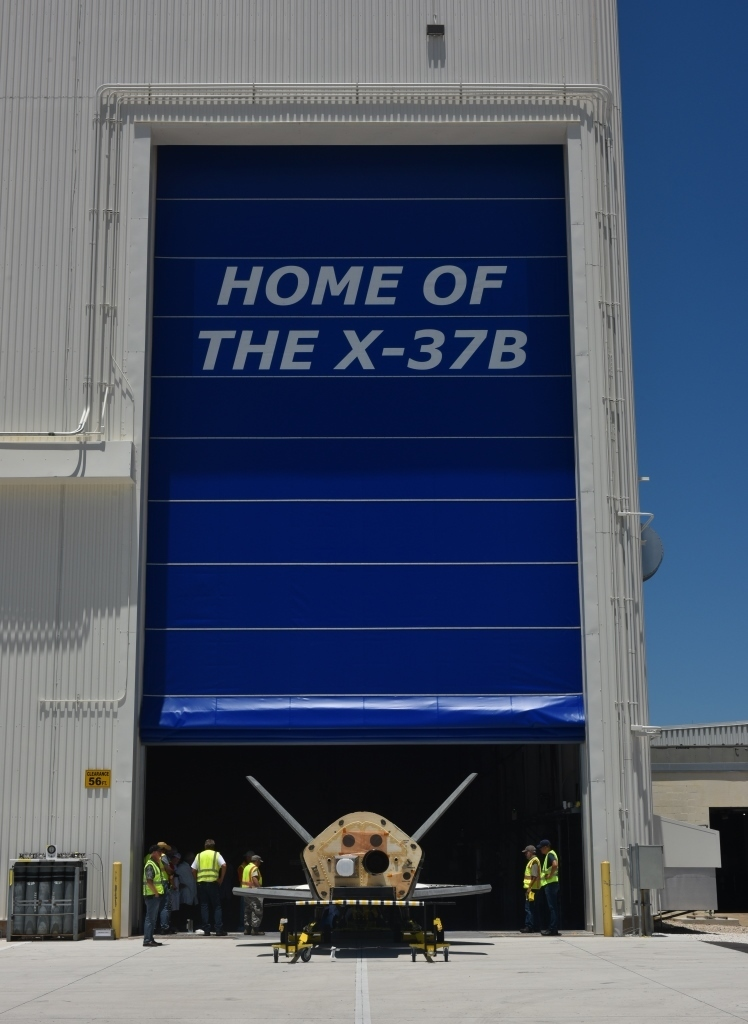 X-37B OTV4 at Shuttle Processing Facility