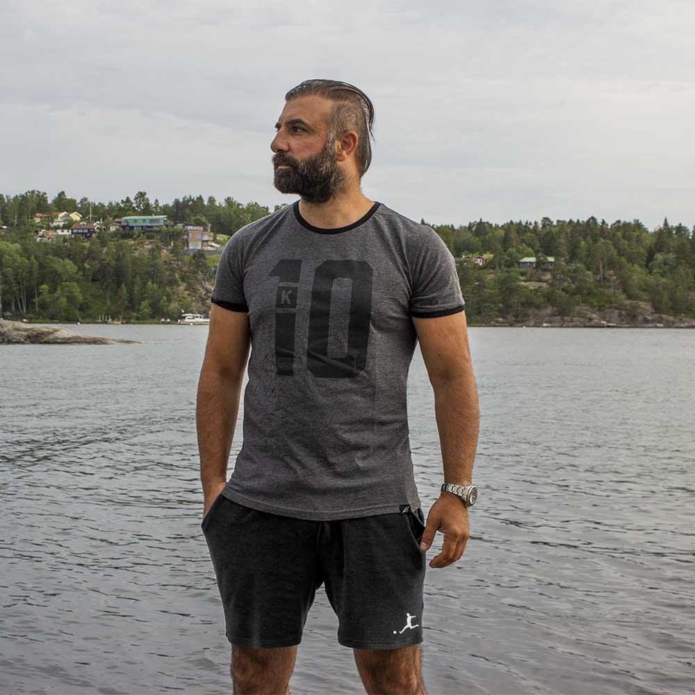 T-shirt gråsvart K10