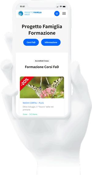 Immagine di una mano che tiene un cellulare con all'interno i corsi del Centro studi progetto famiglia