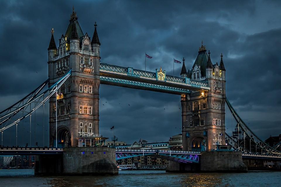 Tower Bridge London.jpg