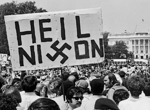 Watergate_Heil_Nixon_UPI.jpg