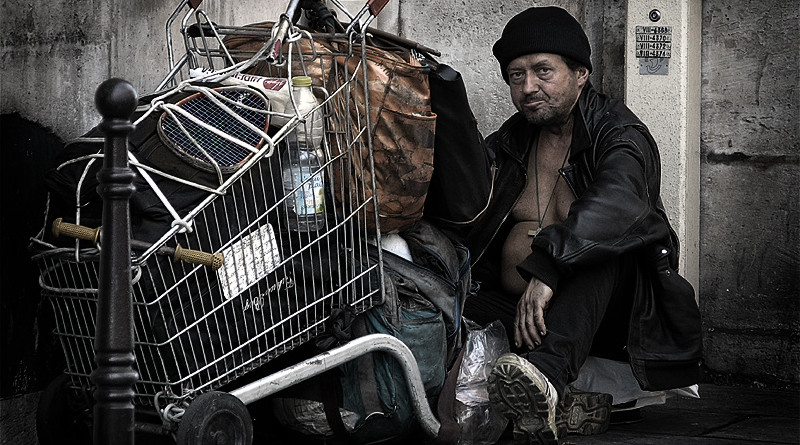 italian court says hungry allowed steal food homeless paris 800x445