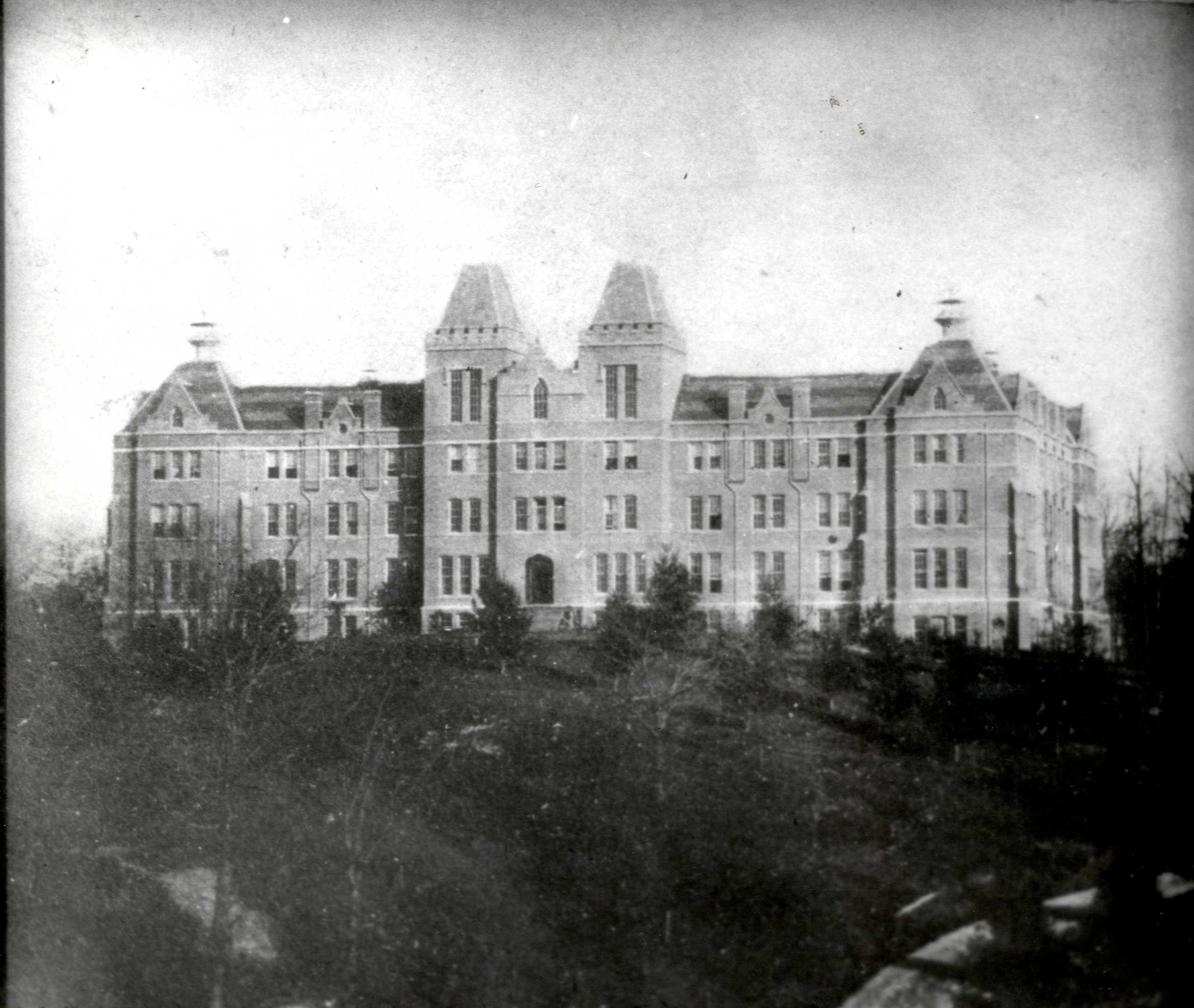 Black and white picture of Peabody Hall on Western college, Miami University
