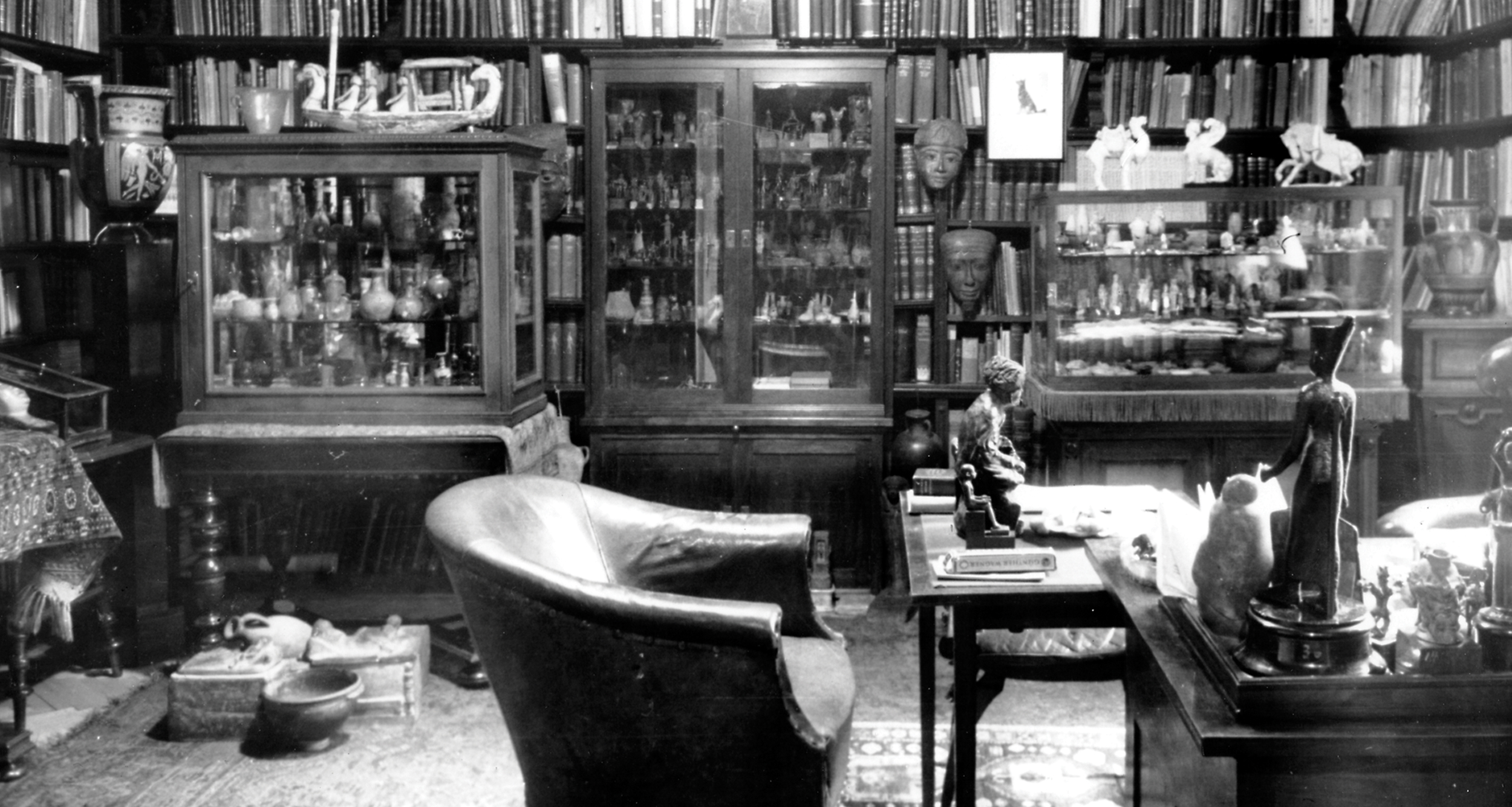 Freud's office in black and white