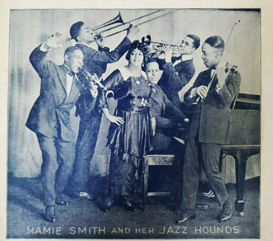 old photo of Mamie Smith and her Jazz Hounds