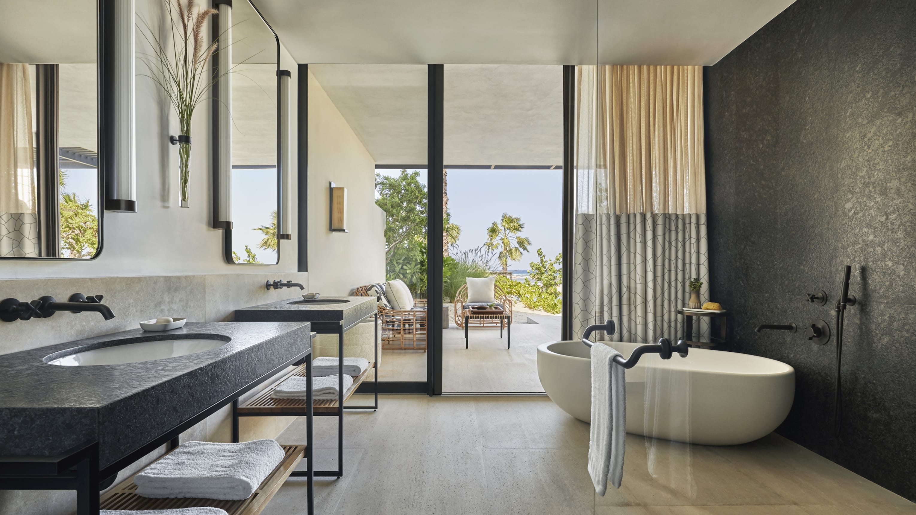 Ocean-view Four Seasons Executive Suite