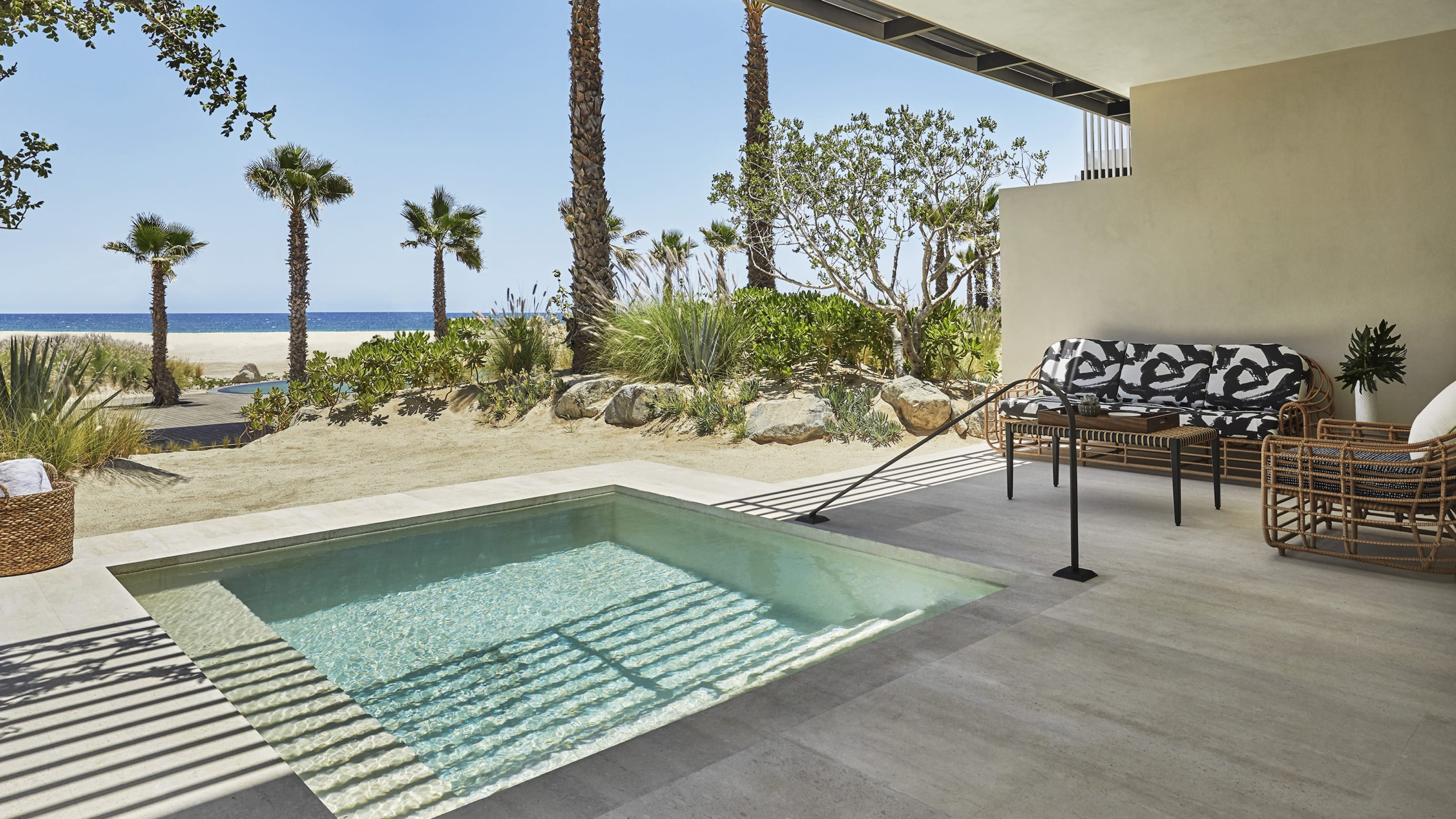 Oceanfront Plunge Pool Suite