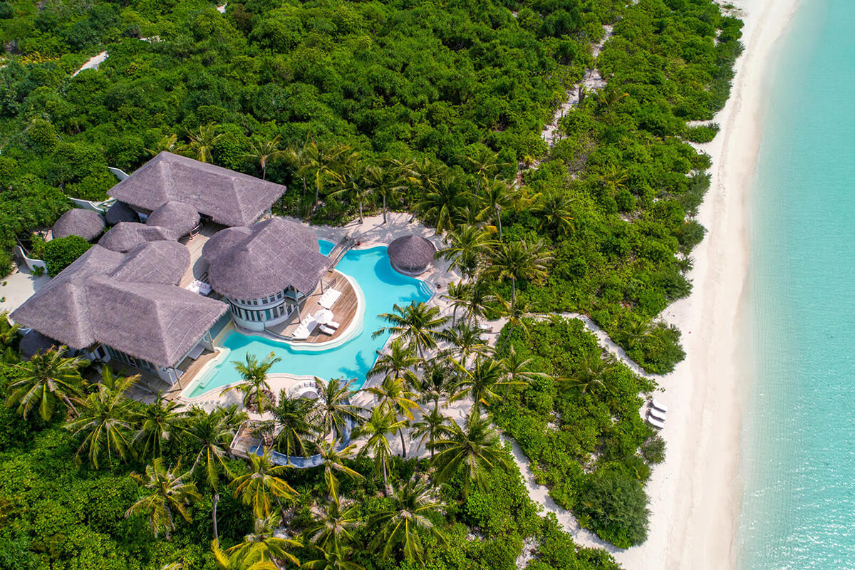4 BEDROOM ISLAND RESERVE WITH SLIDE