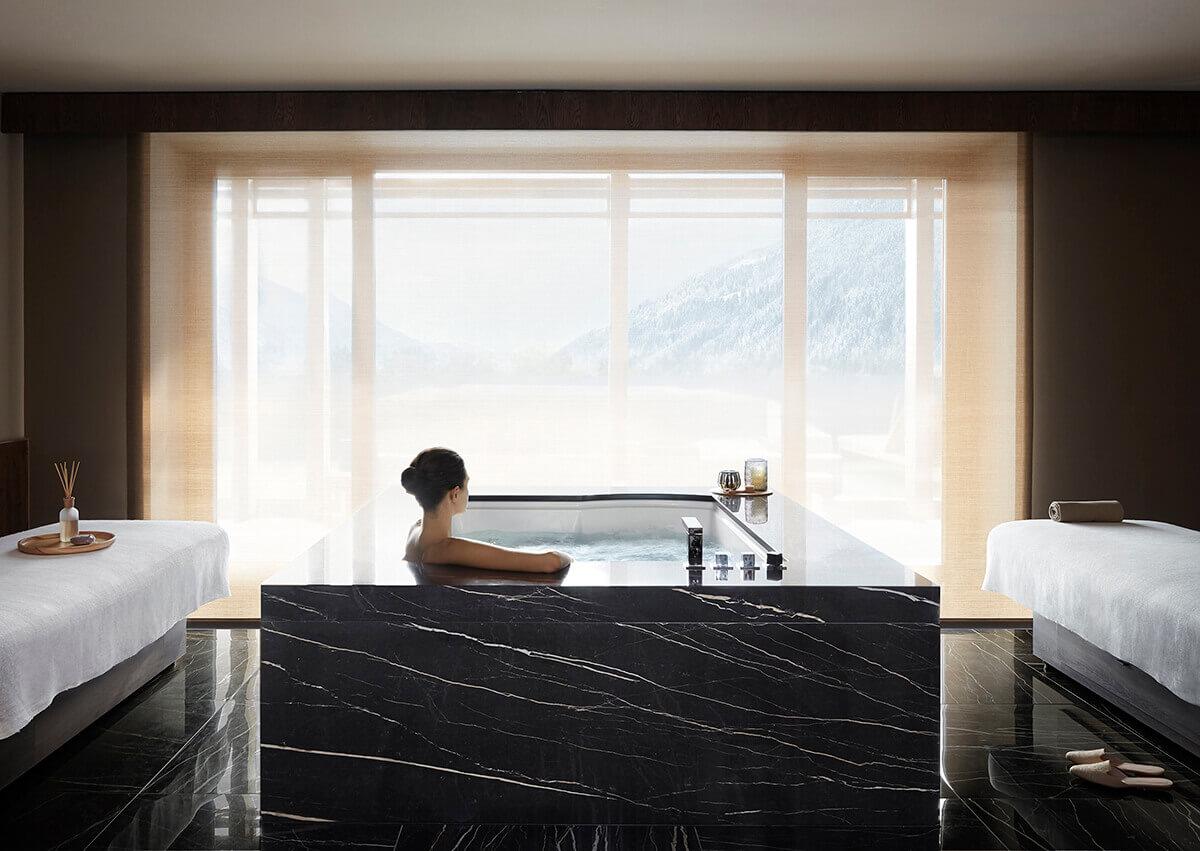 Royal Pool & Spa Suite