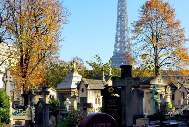 Passy Cemetery, ©French Moments