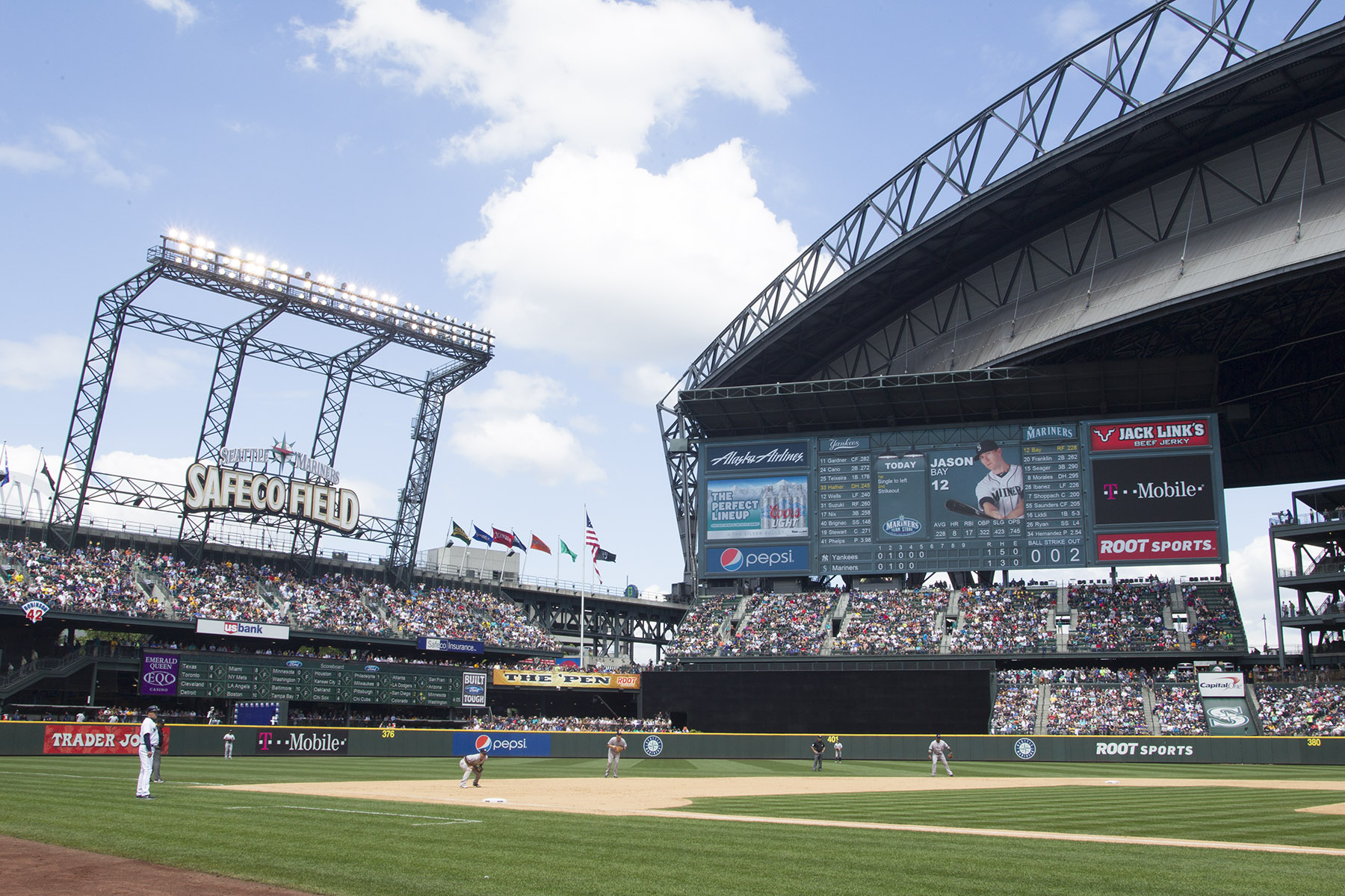ANC and Lighthouse Technologies partner on massive videoboard for Seatlle Mariners.