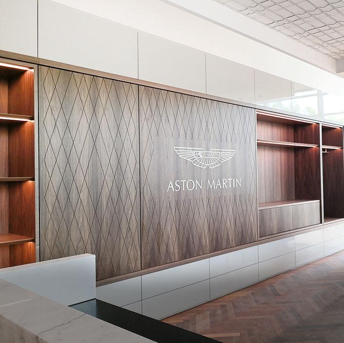 Showroom Aston Martin