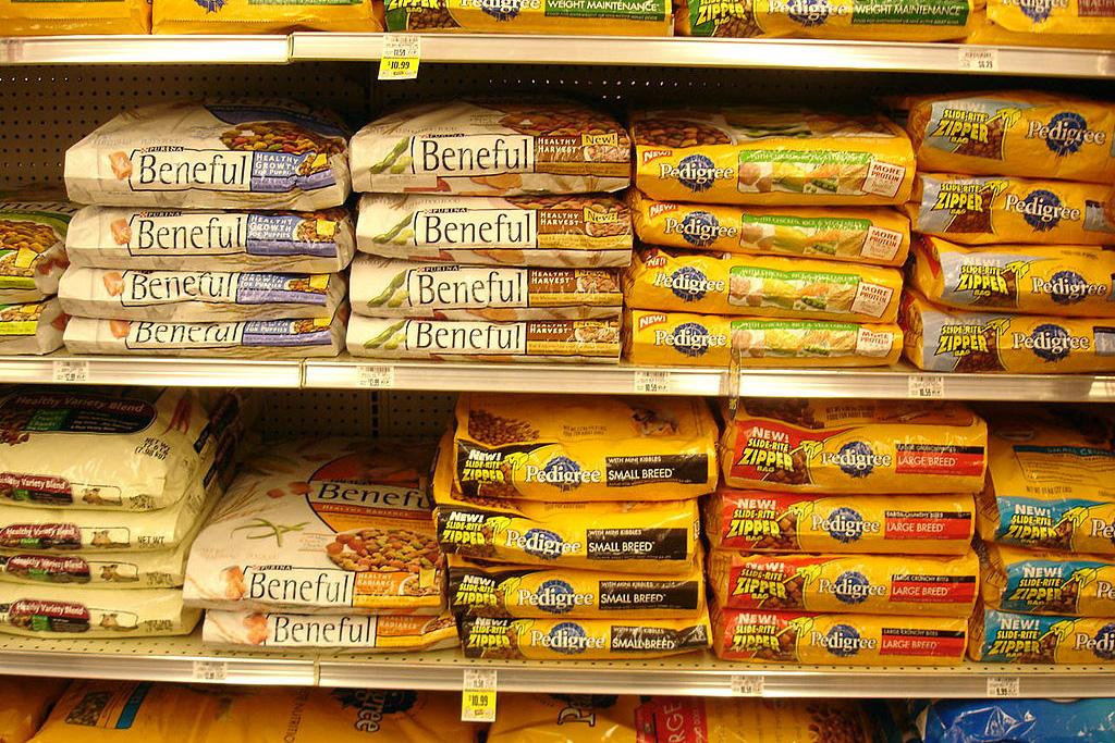 dog food on shelves