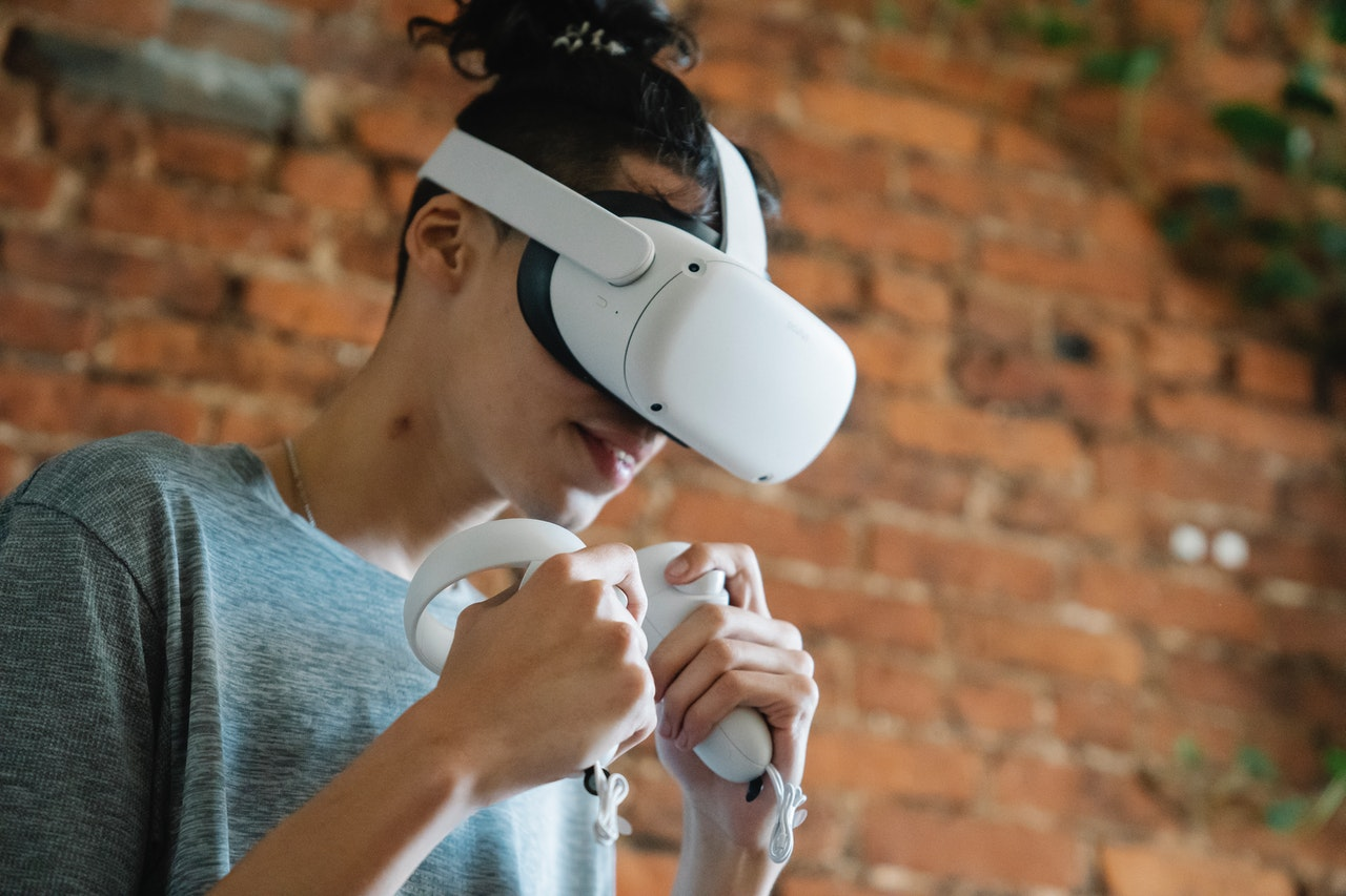 How Virtual Reality & Augmented Reality can Revolutionize  E-Learning