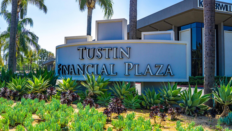 Tustin Financial Plaza