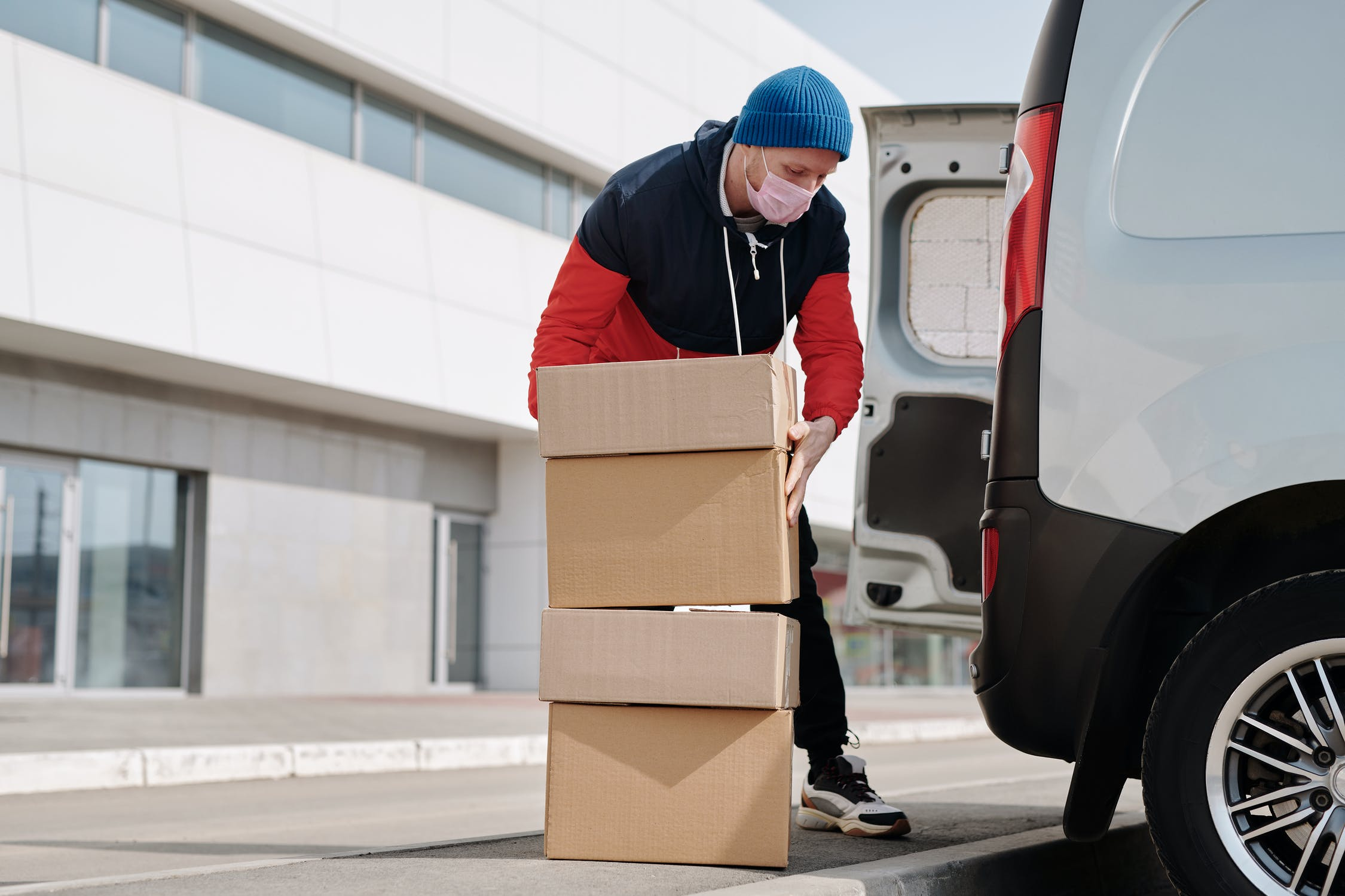Comparing the 5 Best Local Courier Services for E-Commerce in Singapore