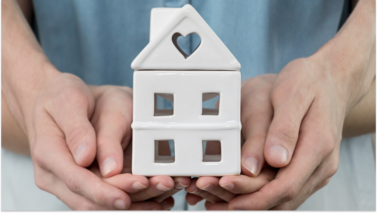 holiday-gift-real-estate-willful-addy