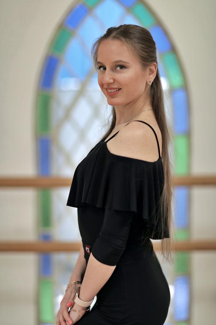 Mariia professional dance instructor