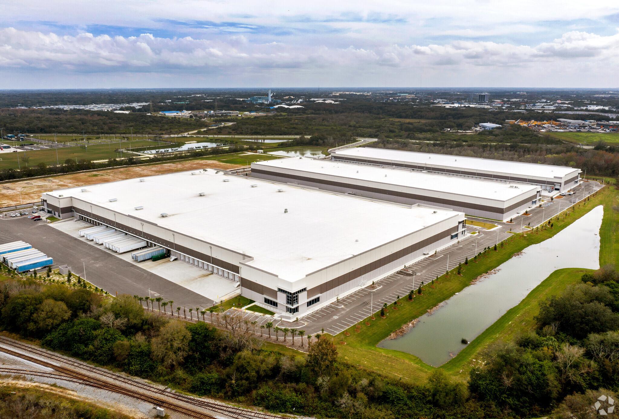 Commercial Roof Installer • Tampa, FL