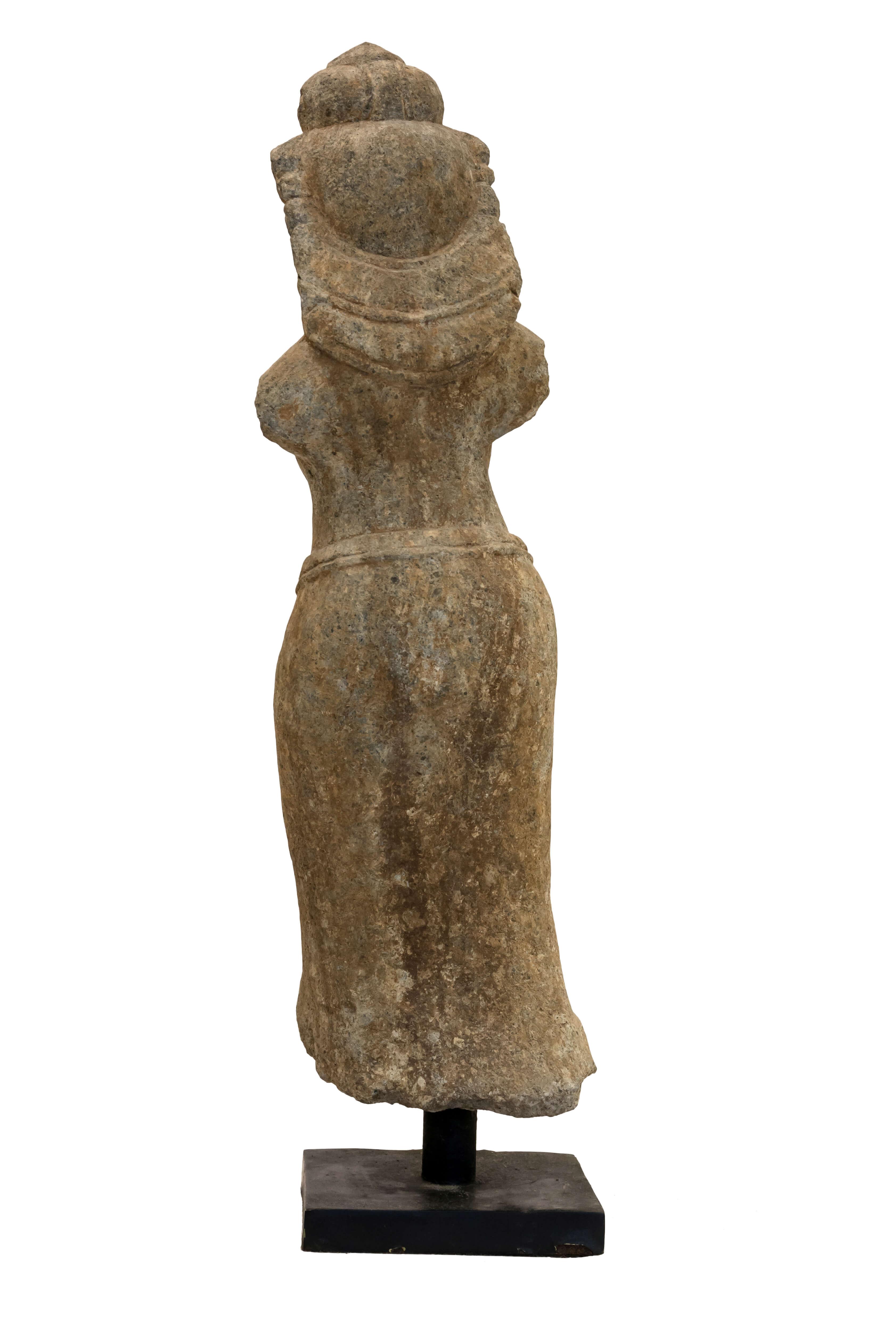 Escultura de piedra tradicional balinesa