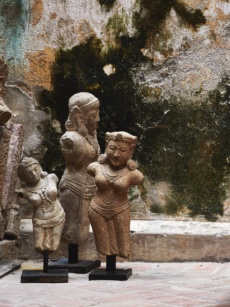 Sculptures and Decorative Statues
