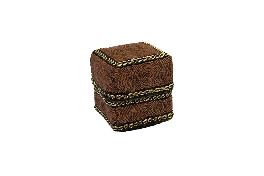 Caja de ofrenda Balinesa cuentas de chaquira y conchas- café