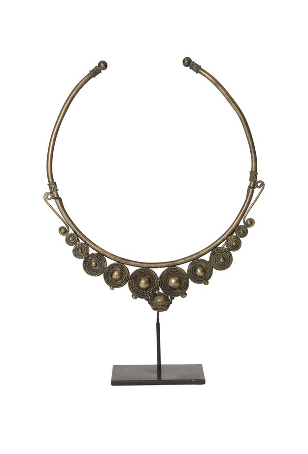 Collar decorativo metal