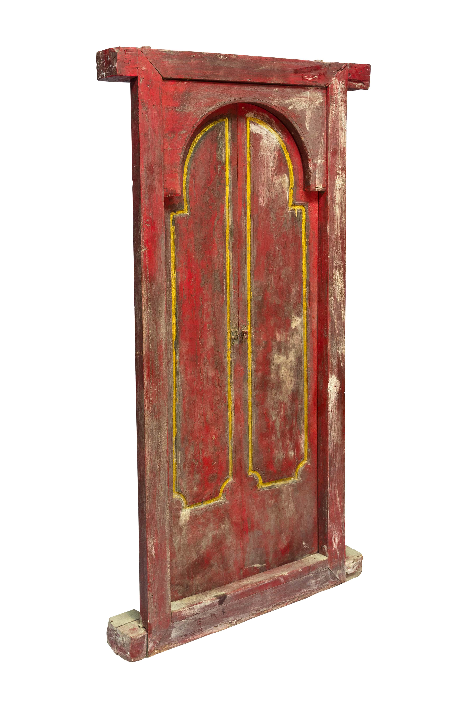 Puerta de madera doble Indonesia rojo y dorado