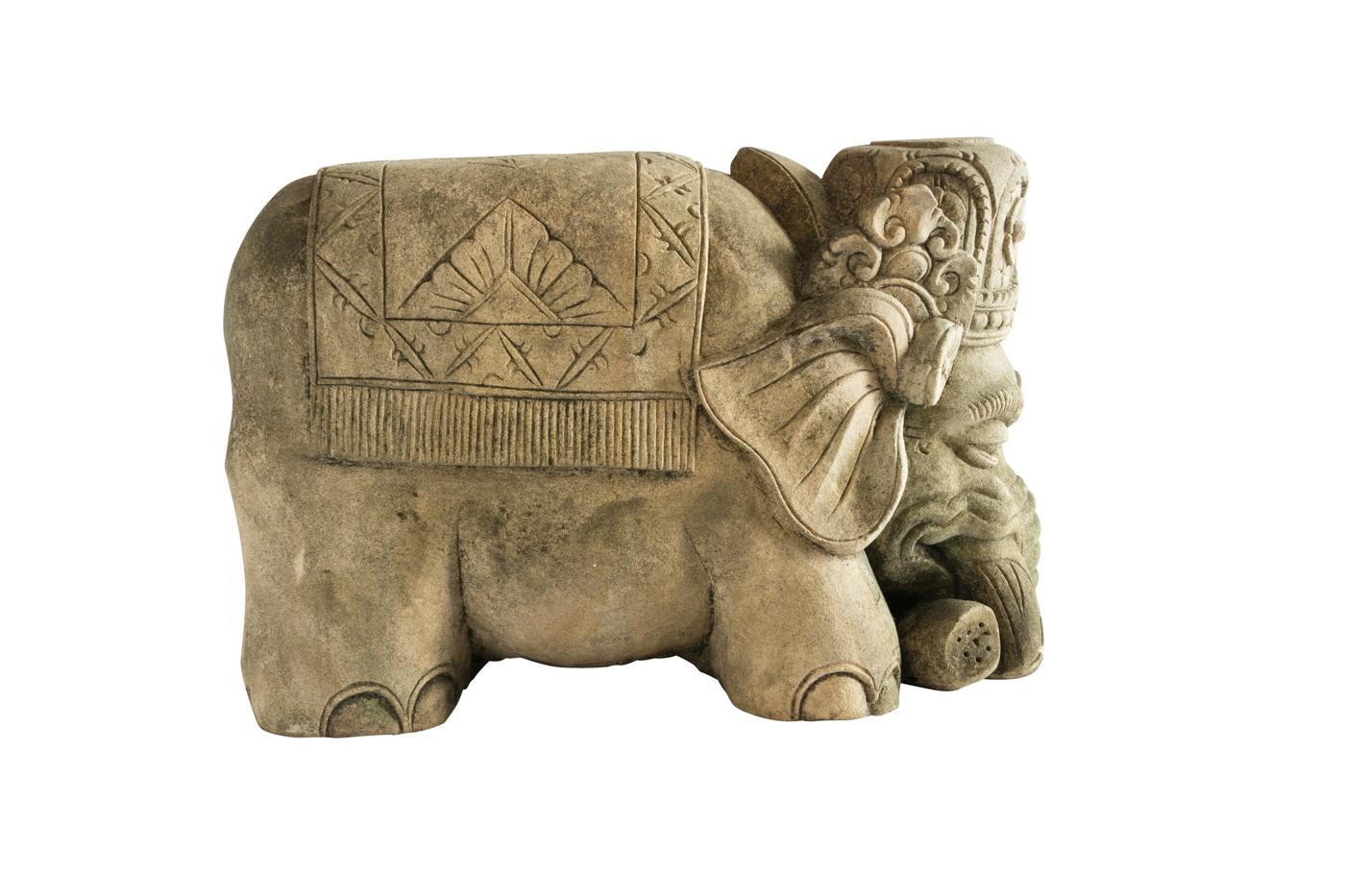Elefante tallado en piedra caliza color café