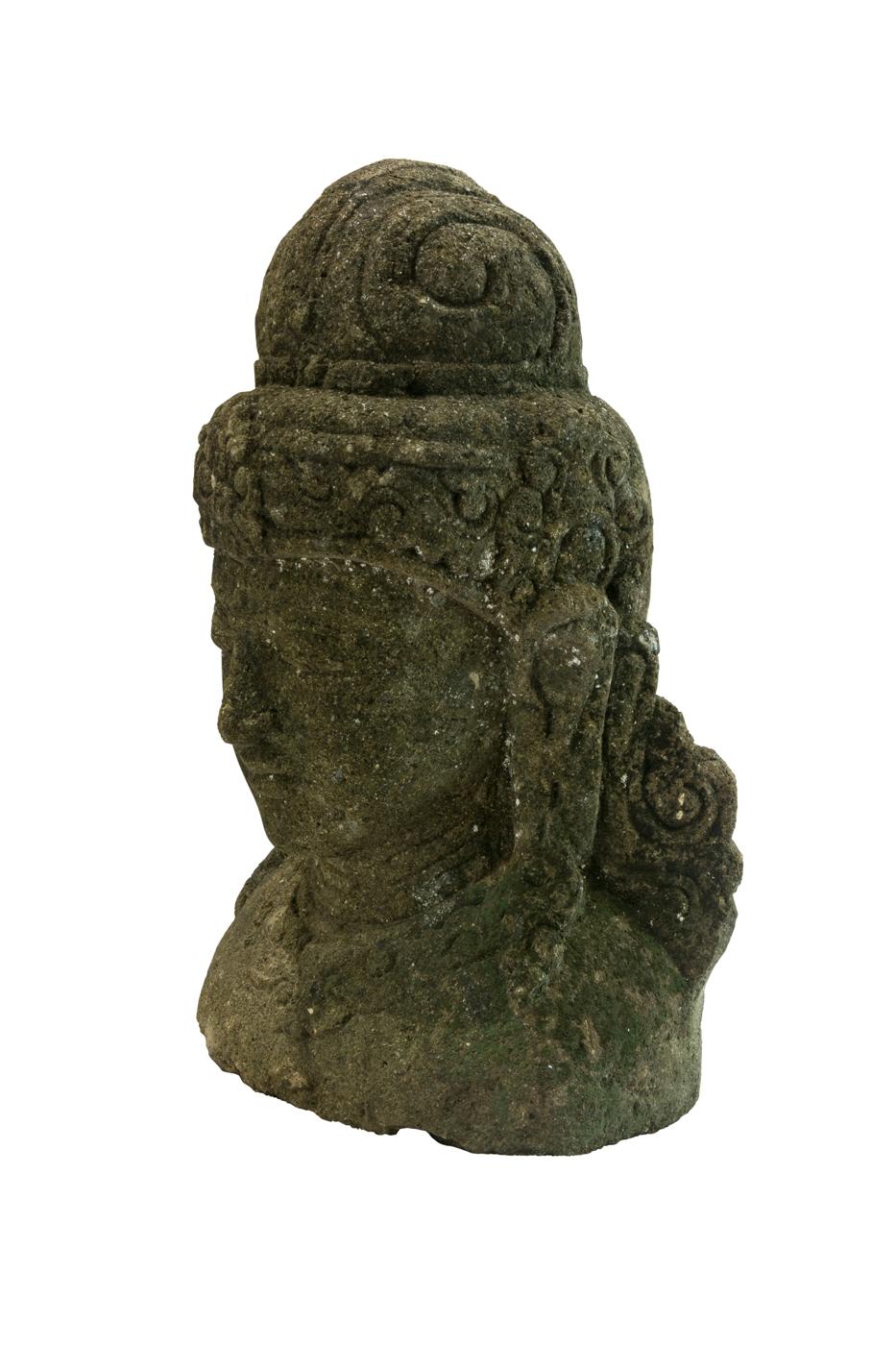 Escultura tallada en piedra espirales