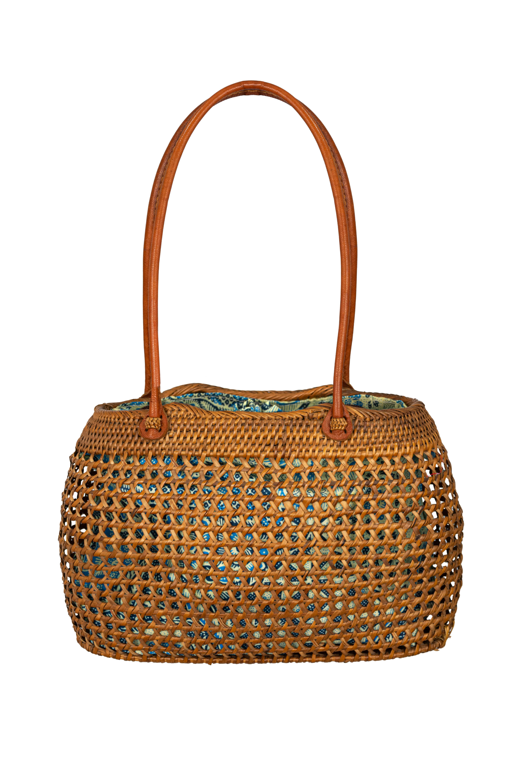 Oval natural rattan bag
