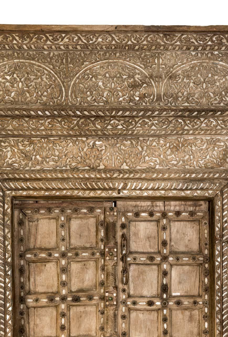 Puerta antigua India en madera y nácar