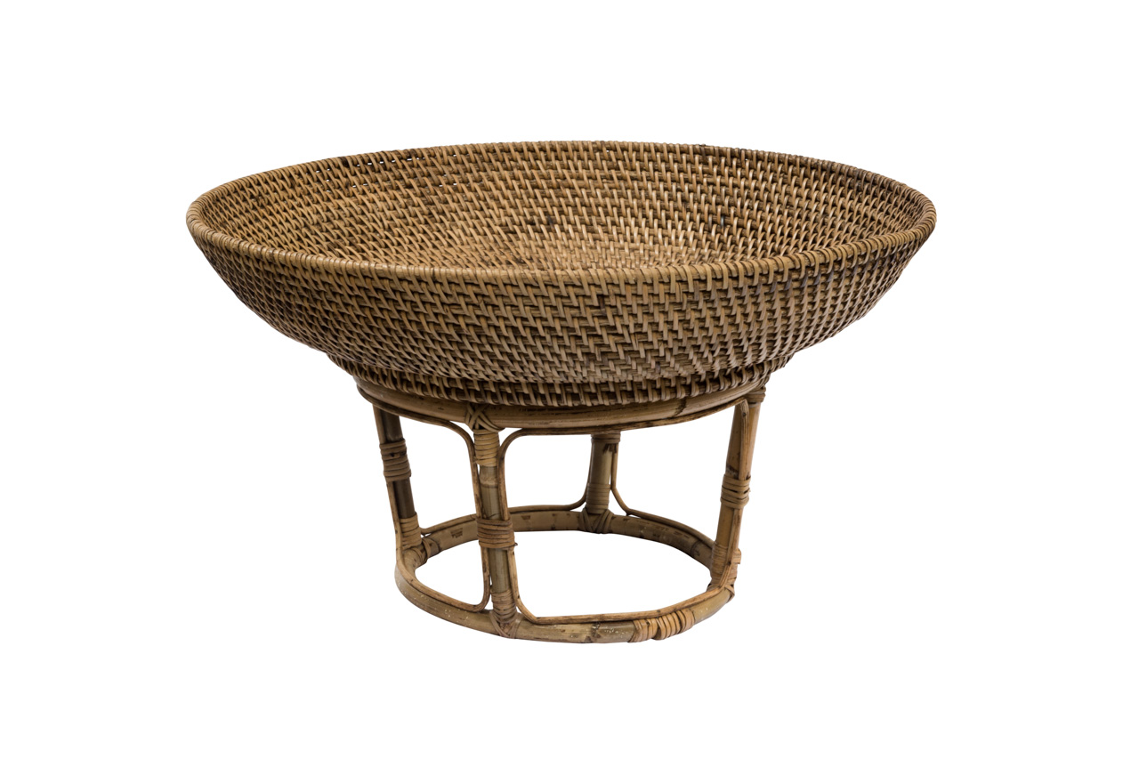 Natural rattan centerpiece