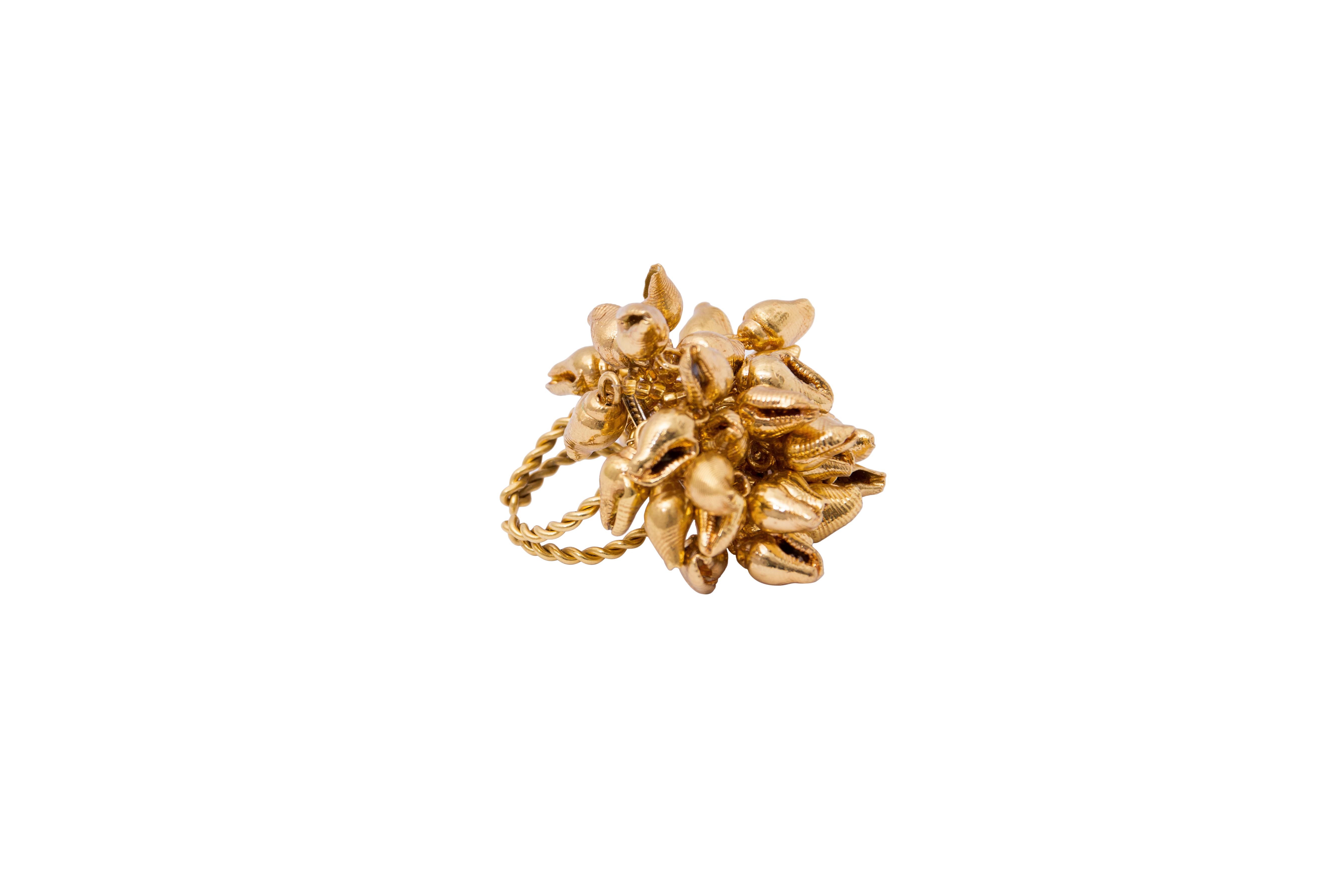 Gold small seashell ring
