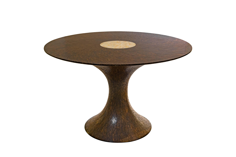 Mesa de comedor Nias en corteza de coco