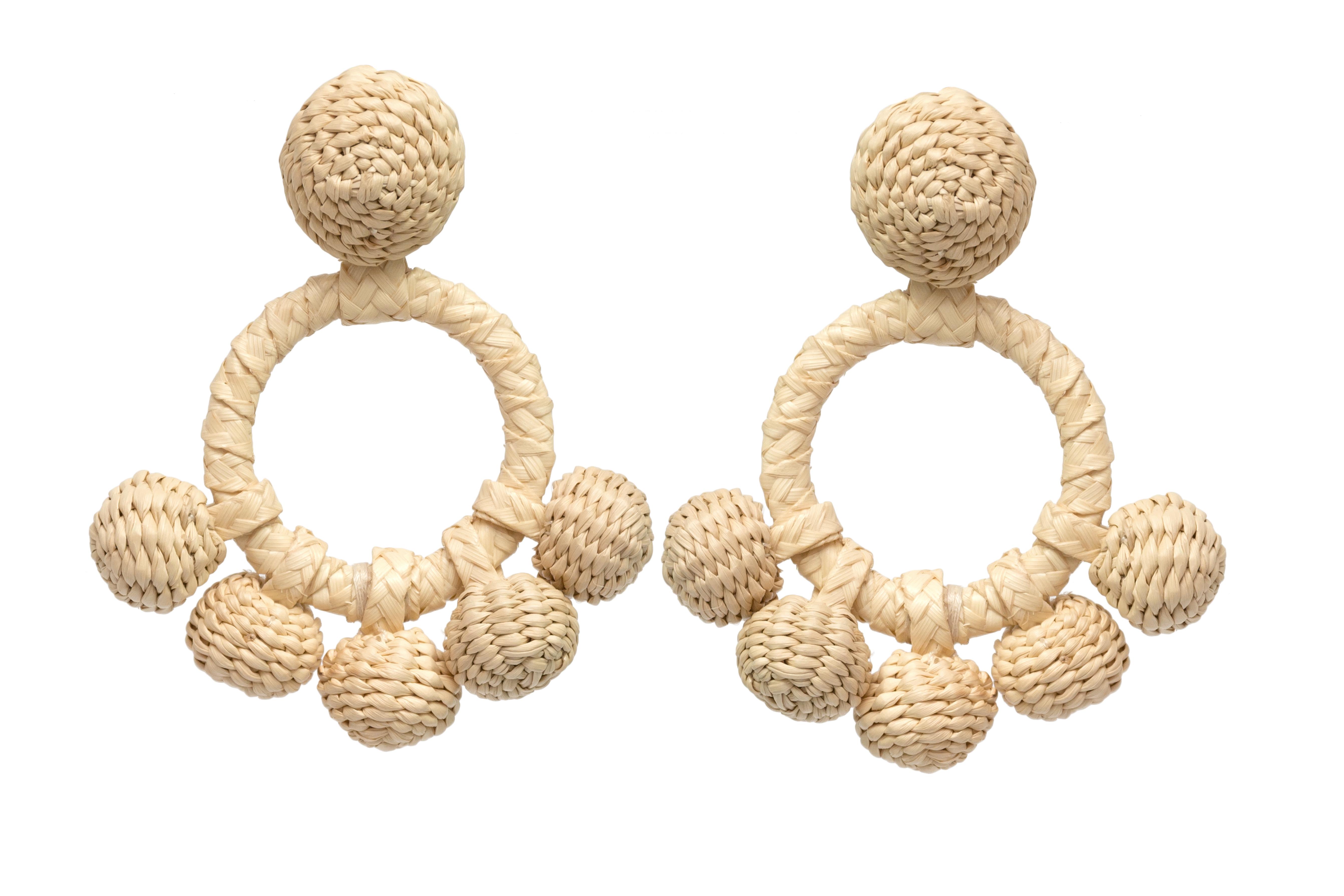 Iraca palm aro earrings natural
