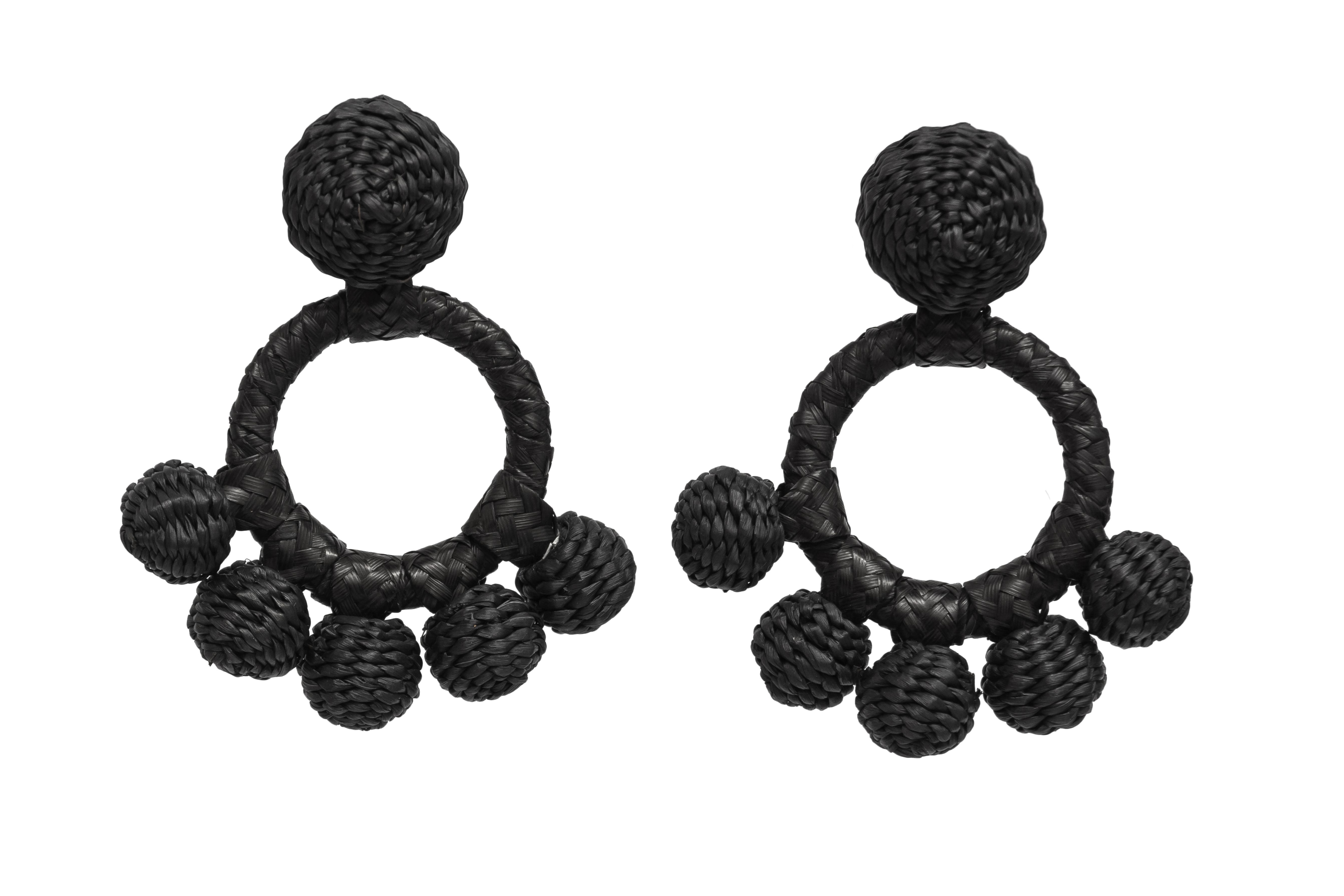 Iraca palm aro earrings black